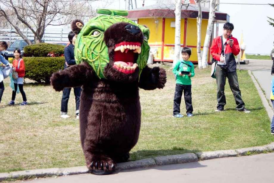 サイロ展望台にメロン熊出現!